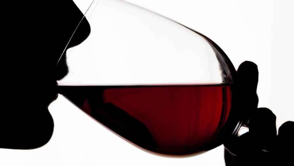 effetti disinfiammatori alcol